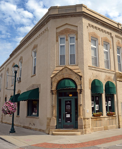 b.shannon designs' gallery located in Winterset, Iowa