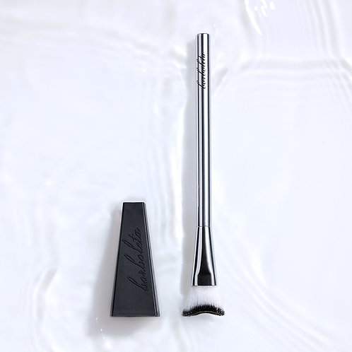 Clean Swoop Makeup Removing And Cleansing Brush With Drying Stand