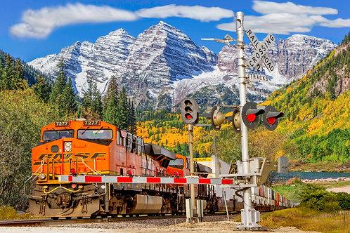 Mountain Train 500 Piece