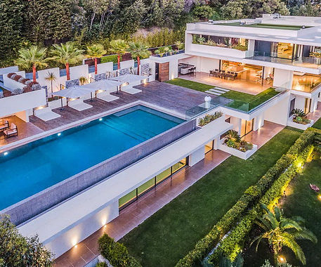 Amazing-and-Luxury-Modern-Villa-in-the-F