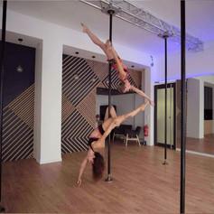 studio pole dance lyon.jpg