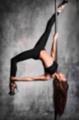 cour de pole dance expert Lyon.jpg