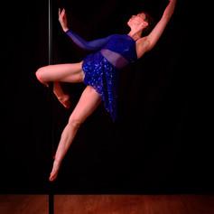 stage intensif pole dance.jpg
