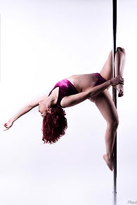 pole dance lyon.jpg