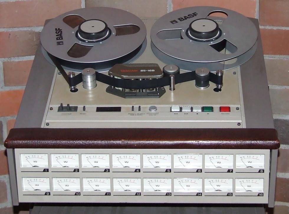 Una maquina de cinta abierta