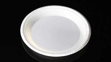 จานพลาสติก