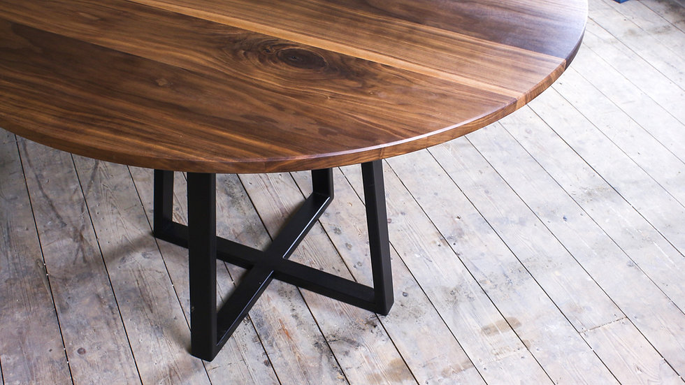 Luna | dining table