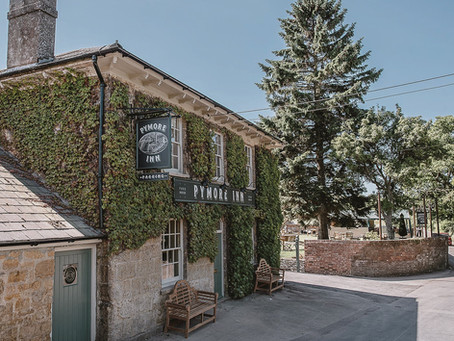 Cosy autumn Bridport pubs. Plus, walking guides to get you there and back safely!