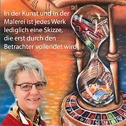 Heike Holstein, Malerin, vor ihrem Bild Sanduhr mit Menschen darin.2021-03-19 um 15.17.55.pn