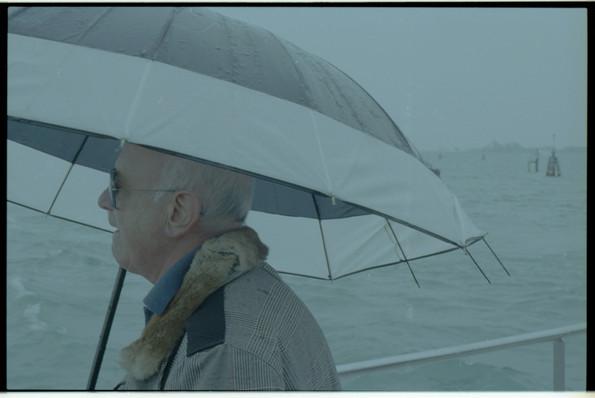 Venedig Opi in the wind.jpg