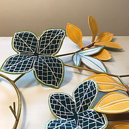 Miroir fitto feuilles brodees savoir faire francais broderie textile bio eco responsable decoration murale Millie Baudequin