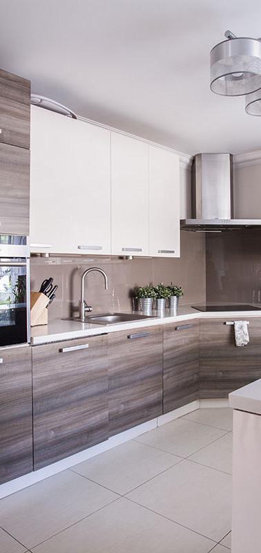 Two-Tone Flat Style Kitchen