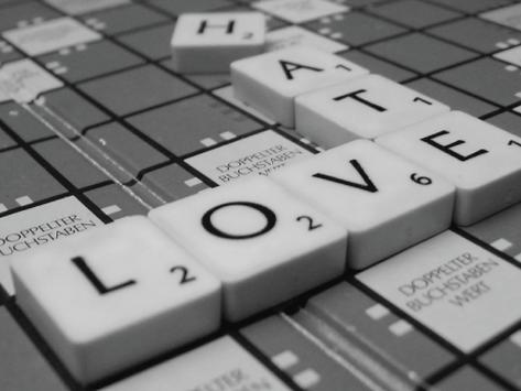 Amor e Ódio na Comunicação Social