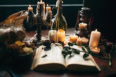 witchcraft-dark-magic-candles-with-ritua