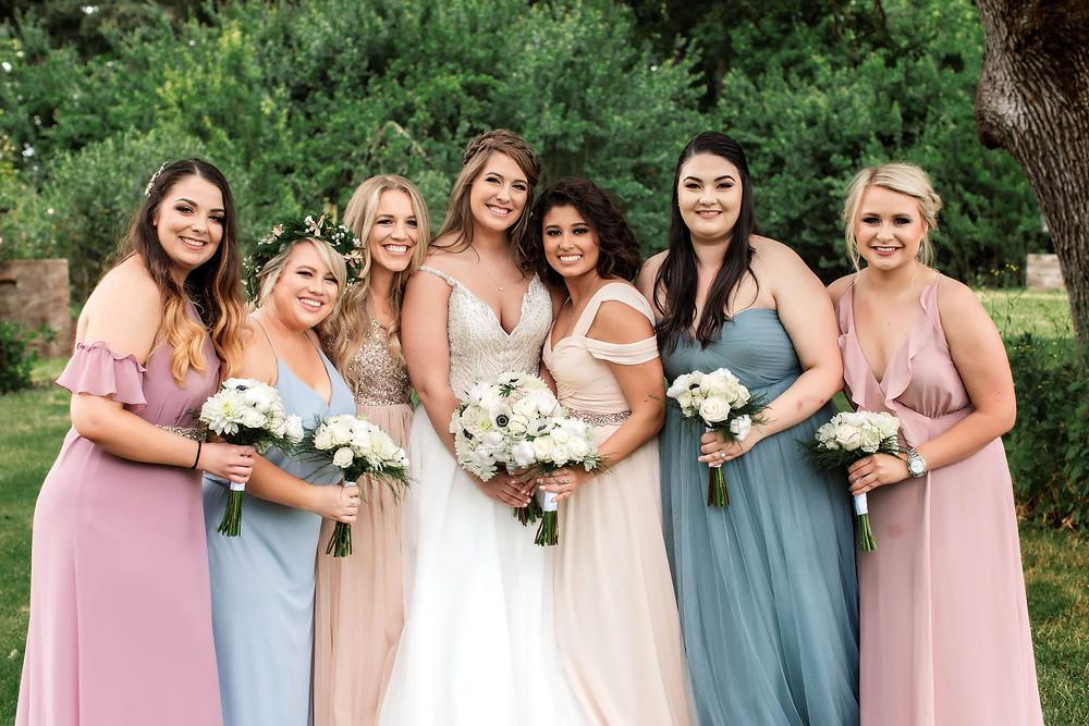 Eugene_Oregon_Wedding_Photographer_Bridesmaids