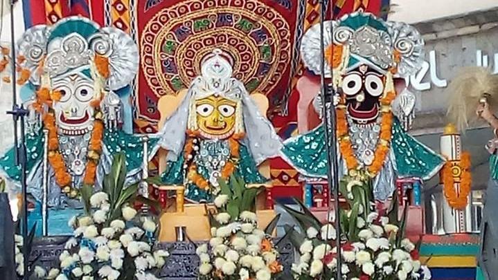 Sus Señorías Jagannatha Baladeva y Subhadra