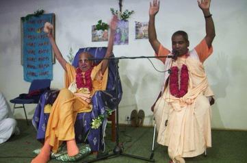 Srila Puri Maharaj y Srila Bishnu Maharaj