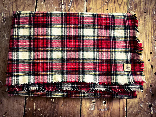 """""""UpNorth Chic"""" Oversize Square Red/Off White Plaid/Blk Cotton Flannel Scarf"""