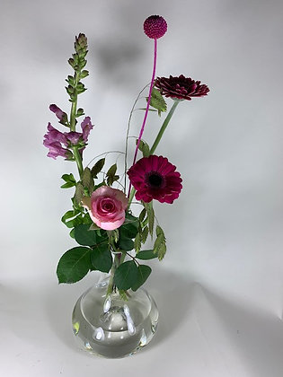 Vaas met plukbloemen rose