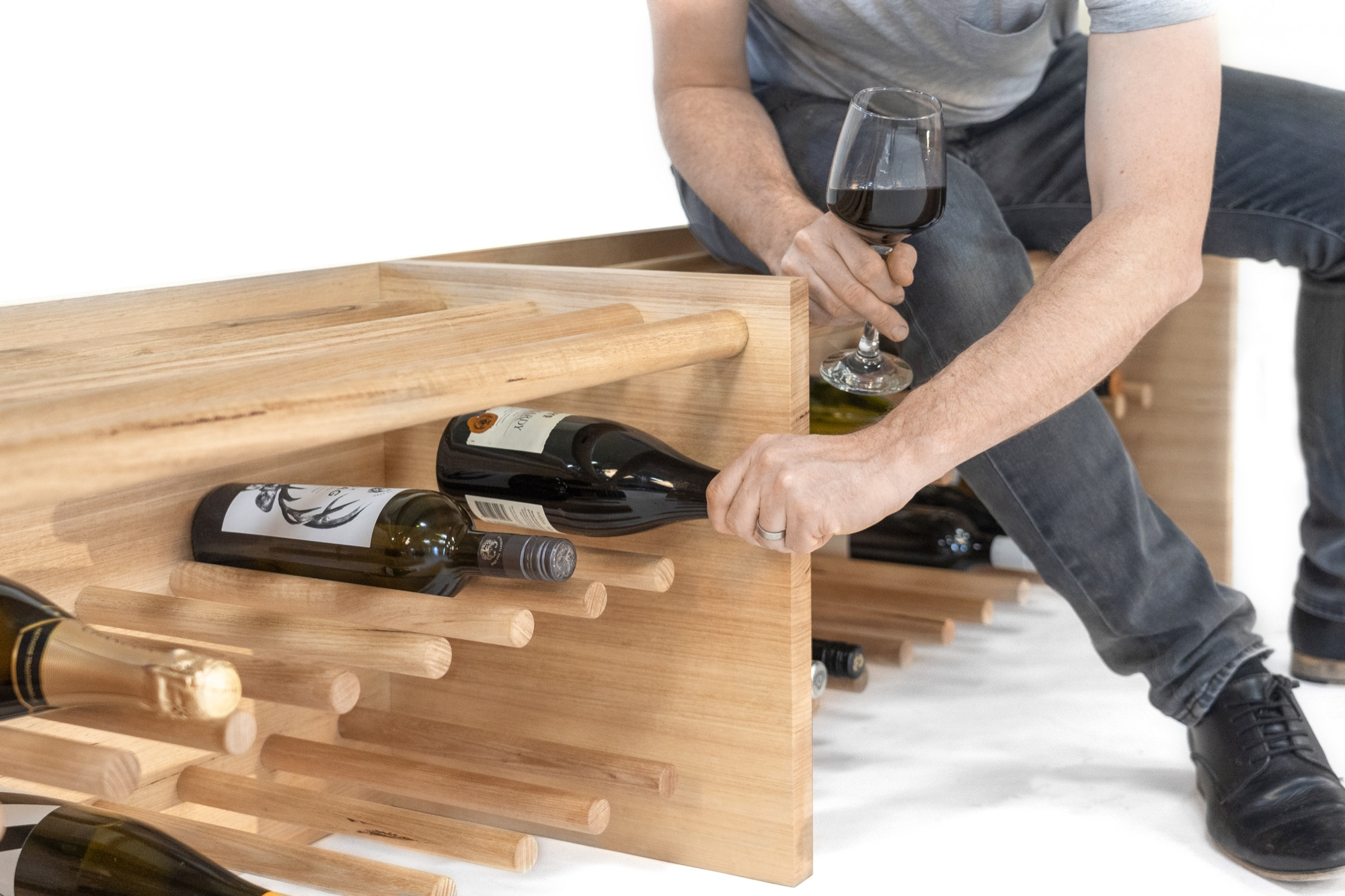 Vino Bench by Sawdust Bureau_low res_02.