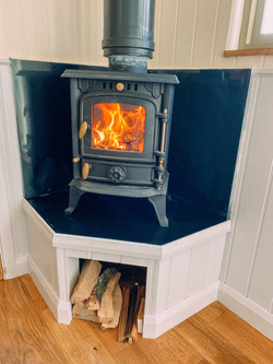 Wood burner with unlimited logs from the