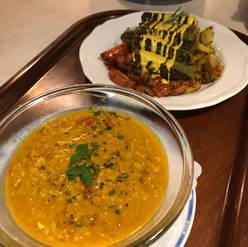 Linsen- Cocos Suppe und Maultaschen