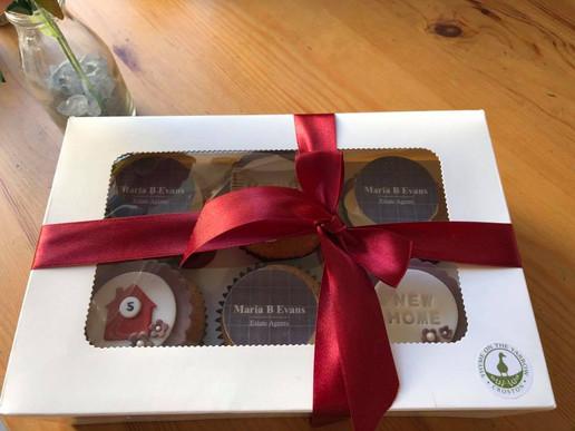 Branded Cupcakes MBE2.jpg