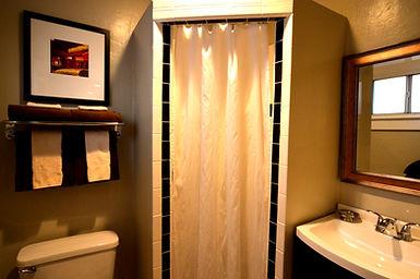 En Suite Bathroom_edited.jpg