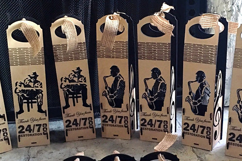 Personalized wine boxes