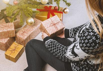 bow-boxes-christmas-714695.jpg