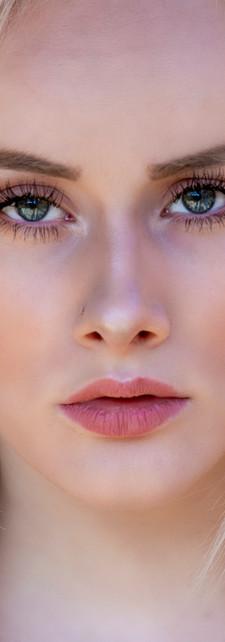Megan_Gray_Studio-Natural_Light_Portriat