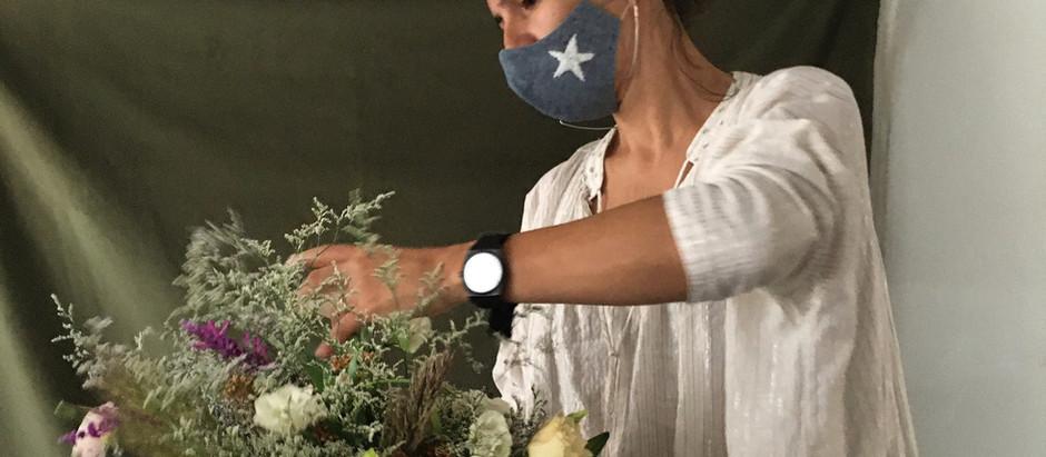 "Mercedes Gómez Jensen y su ""taller de flores"" cordobés."