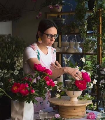 Irina Khatsernova: la florista rusa que conquistó los corazones porteños