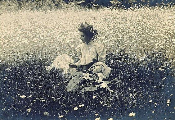 La antigua magia de las flores secas (II). De antiséptico medieval a hobby femenino victoriano.
