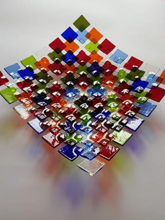 Square platter / Krožnik iz kvadratkov