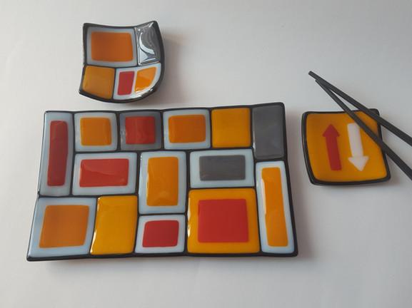 Sushi set 'Nejc' (3 pieces) / Komplet krožnikov za suši 'Nejc' (tridelni)