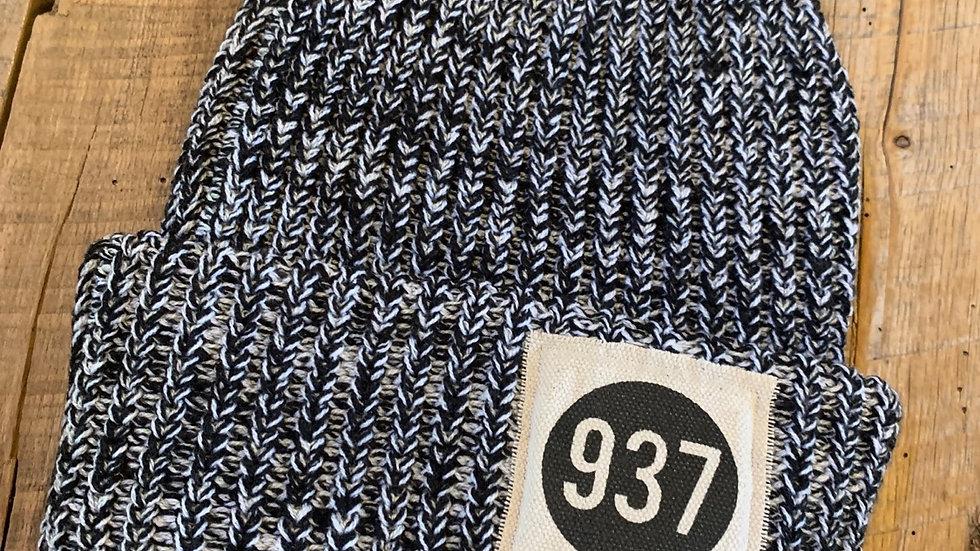 937 BLACK FLECK PATCH BEANIE