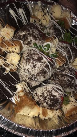oreo strawberries and cheesecake box