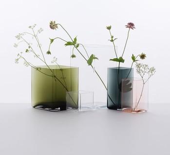 Ruutu, le vase en verre soufflé des frères Bouroullec