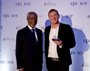 Prix Pictet : Kofi Annan récompense Richard Mosse