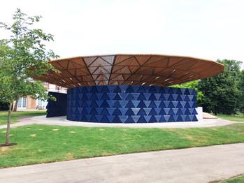 Francis Kéré rend hommage au Burkina Faso pour son pavillon de la Serpentine Gallery