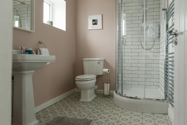 The Cottage main bathroom