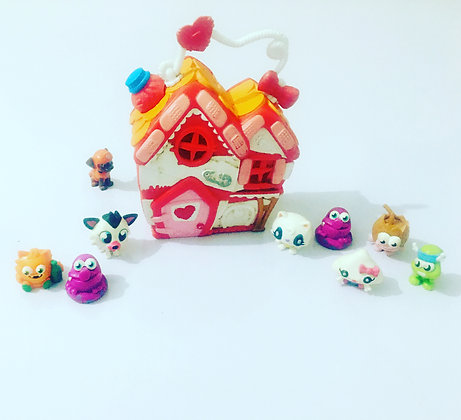 Doll House with Characters