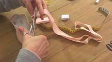Comment coudre les rubans sur les chaussons ? On vous explique ça en images !