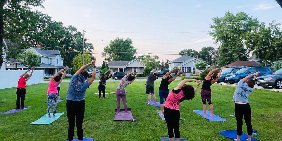Outdoor Yoga at Manhattan Family Chiropractic