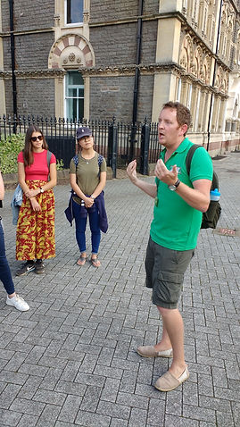 Free walking tour Cardiff