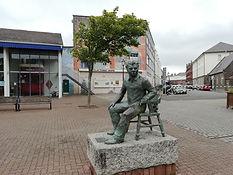Dylan Thomas sttue, Swansea Marina