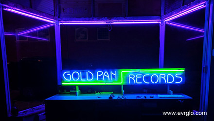 goldpanrecordscustomneonsignx1024x900.jp