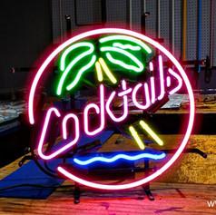 cocktailspalmtreeneonsign12569.jpg