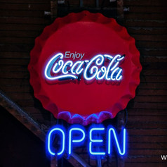 cocacolacapopenneonsign97591.jpg